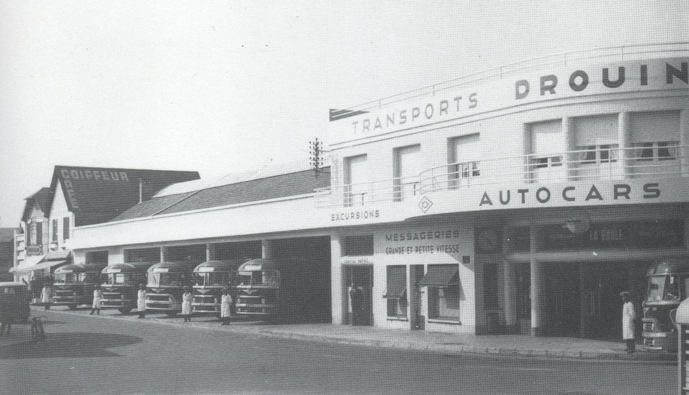 another view of La Baule bus station in the 1950s