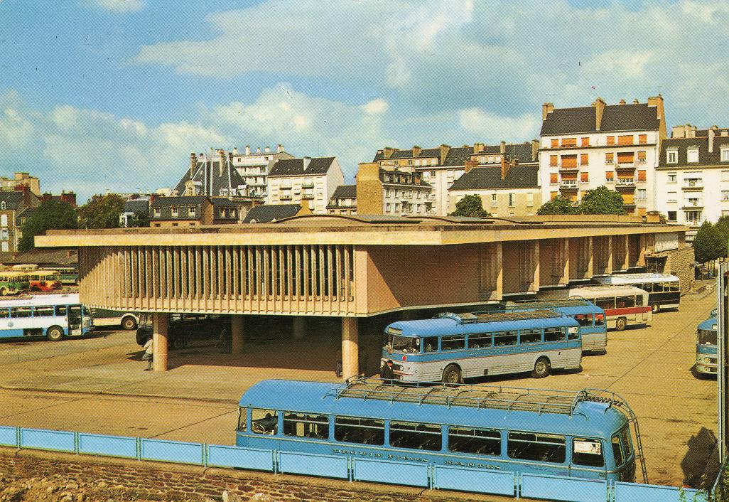 ennes bus station / gare routiere